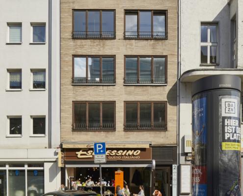 Neusser Straße 2